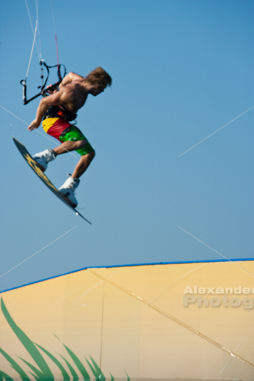 Outerbanks, NC - Ruben Lenten kiteboarding at the Triple-S 2011