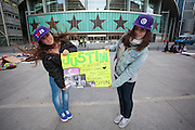 Naomi (16) and Paola (17)  waiting since one week for the concert of Justin Bieber at the Palacio de los deportes in Madrid