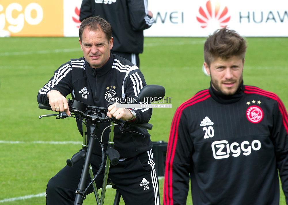 eigen 08-04-2016 VOETBAL: TRAINING AJAX: AMSTERDAM<br /> Frank de Boer, hoofdcoach (Ajax)  copyright robin utrecht