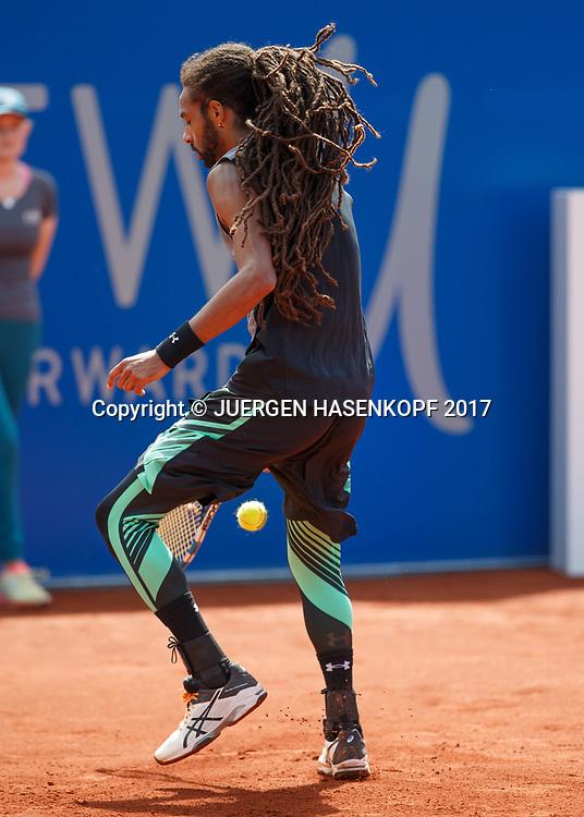 DUSTIN BROWN (GER)<br />  spielt einen Tweener zwischen die Beine,kurios,<br /> Tennis - BMW Open2017 -  ATP  -  MTTC Iphitos - Munich -  - Germany  - 2 May 2017.