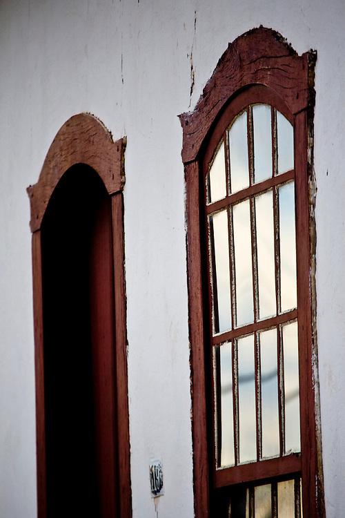 Jeceaba_MG, Brasil...Detalhe da janela de uma casa em Jeceaba...Detail of the house window in Jeceaba...Foto: JOAO MARCOS ROSA / NITRO.