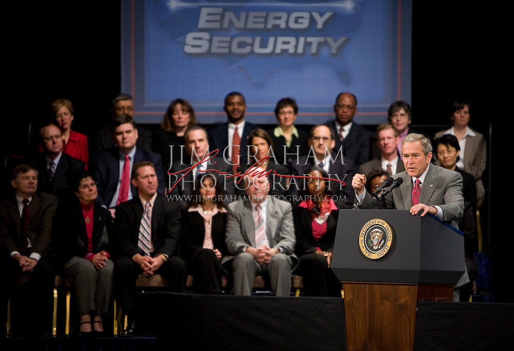 President Bush gestures as he gives a speech at the DuPont Theatre in Wilmington, Del., Wednesday, Jan. 24, 2007(Photography by Jim Graham)