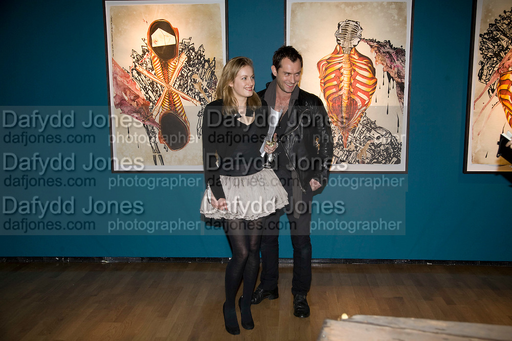 POLLY MORGAN; JUDE LAW, Mythologies. Haunch of venison. 6 Burlington Gardens. London. 10 March 2009 *** Local Caption *** -DO NOT ARCHIVE-© Copyright Photograph by Dafydd Jones. 248 Clapham Rd. London SW9 0PZ. Tel 0207 820 0771. www.dafjones.com.<br /> POLLY MORGAN; JUDE LAW, Mythologies. Haunch of venison. 6 Burlington Gardens. London. 10 March 2009