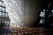 Tokyo National Art Center in Roppongi - Le centre national des Arts de Tokyo est un musée d'art moderne fondé en 2007 et situé à Tokyo, au Japon, dans le quartier de Roppongi à proximité du complexe Tokyo Midtown, où l'on trouve le 21_21 DESIGN SIGHT