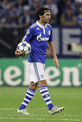 26.04.2011, Veltins Arena, Gelsenkirchen, GER, UEFA CL, Halbfinale Hinspiel, Schalke 04 (GER) vsManchester United (ENG), im Bild: Raul (Schalke #7) entaeuscht / entäuscht   // during the UEFA CL, Semi Final first leg, Schalke 04 (GER) vs Manchester United (ENG), at the Veltins Arena, Gelsenkirchen, 26/04/2011 EXPA Pictures © 2011, PhotoCredit: EXPA/ nph/  Mueller *** Local Caption ***       ****** out of GER / SWE / CRO  / BEL ******