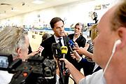 Premiere Mark Rutte staat de pers te woord voorafgaand aan de ontmoeting bij Top van de Noord-Atlantische Verdragsorganisatie (NAVO) en de EU-leiders