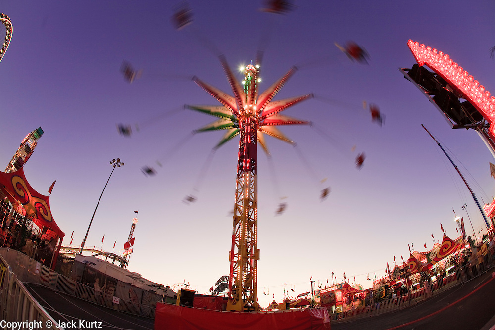 14 OCTOBER 2008  -- PHOENIX, AZ: The Sky Flier at the Arizona State Fair. The Arizona State Fair started Oct.  10 and runs through Nov. 2. Carnival and midway workers who have worked the fair for years say attendance so far is much lower than in the past and people at the fair this year aren't spending as much money as they have in the past. PHOTO BY JACK KURTZ