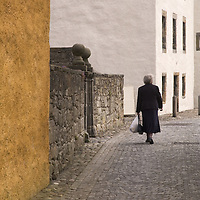 Cobbled street in Culross, historical village in West Fife, Scotland<br />