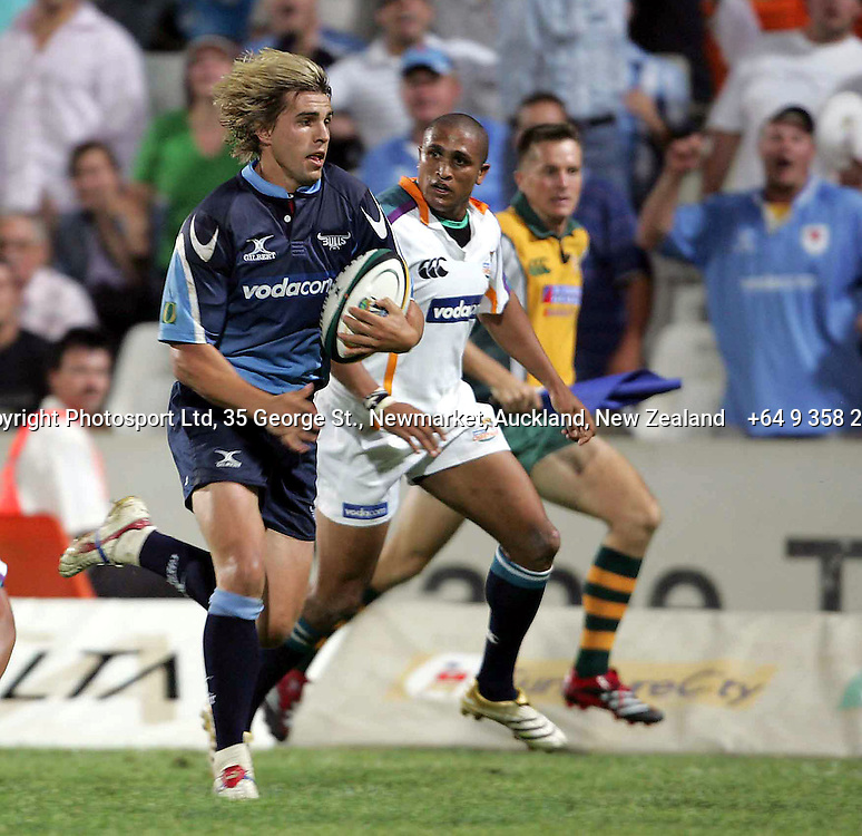 Bulls Wynand Oliver during the opening round of the 2006 Super 14 rugby union match between the Cheetahs and the Bulls at Vodacom Park, Bloemfontain, South Africa on 10 February 2006. The Bulls won 30-18. Photo: Africa Visuals/PHOTOSPORT.  #NO AGENTS# NZ USE ONLY#