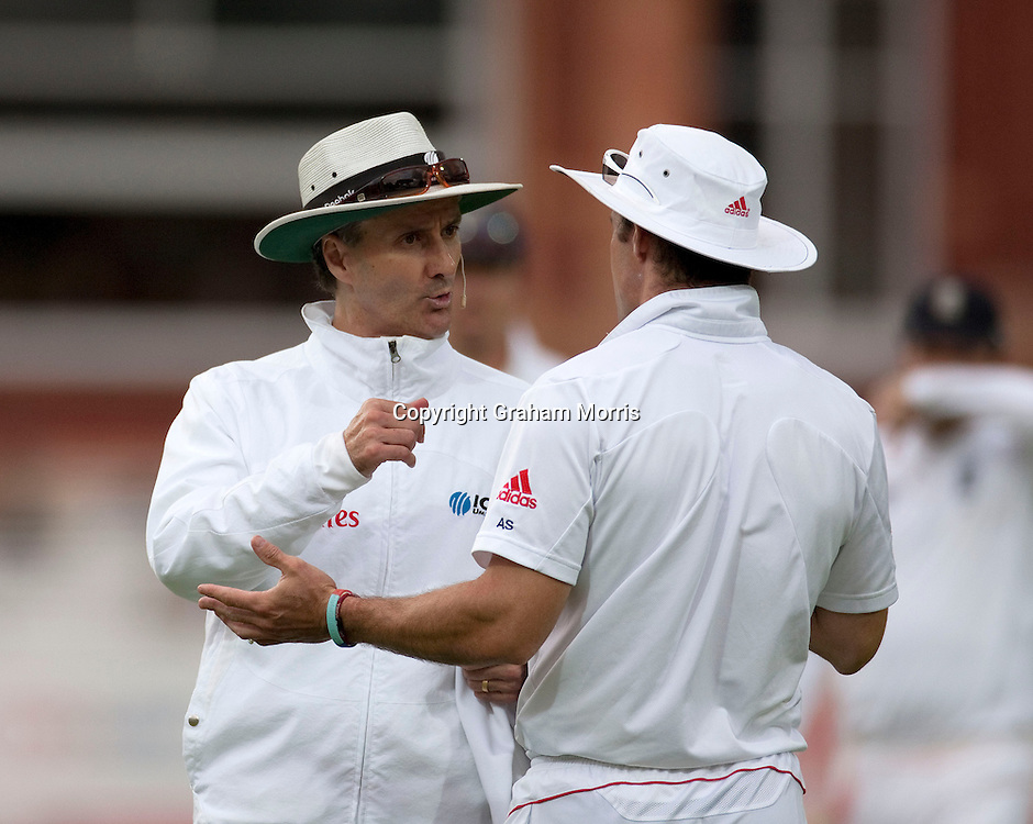 Captain Andrew Strauss talks to umpire Billy Bowden (left) during the final npower Test Match between England and Pakistan at Lord's.  Photo: Graham Morris (Tel: +44(0)20 8969 4192 Email: sales@cricketpix.com) 28/08/10