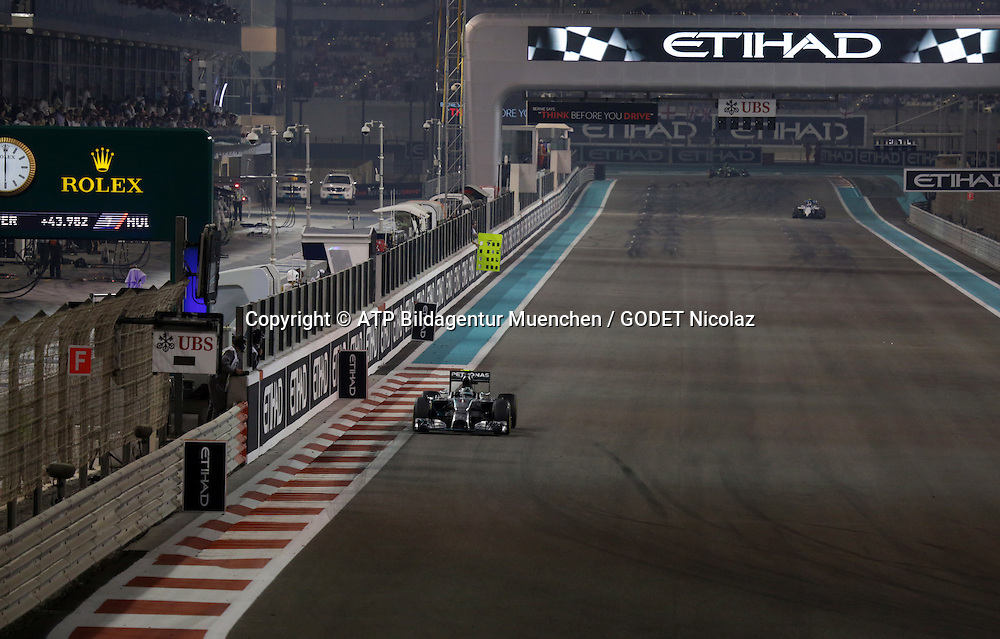 Nico ROSBERG, GER, Team Mercedes-AMG-Petronas Formula One, with severe  technical trouble finished the race <br /> ABU DHABI Grand Prix F1 at the Yas Marina Circuit 2014 -Formel 1 Grand Prix, F1, Formel1, Vereinigte Arabische Emirate, Honorarpflichtiges Foto, Fee liable image, Copyright &copy; ATP GODET Nicolaz