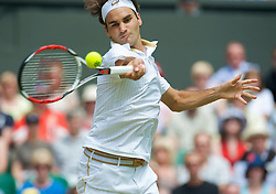 LONDON, ENGLAND - Friday, June 26, 2009: Roger Federer (SUI) during the Gentlemen's Singles 3rd Round match on day five of the Wimbledon Lawn Tennis Championships at the All England Lawn Tennis and Croquet Club. (Pic by David Rawcliffe/Propaganda)