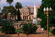 ARGENTINA, BUENOS AIRES Plaza de Mayo and Casa Rosada