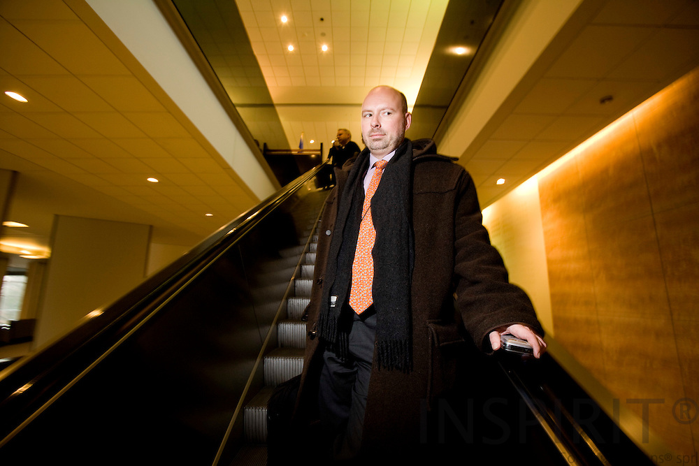 BRUSSELS - BELGIUM - 30 JANUARY 2008 -- Søren HYLDSTRUP LARSEN, Director EU Affairs, Danish Transport and Logistic Association (DTL) leaving the European Parliament.       Photo: Erik Luntang/