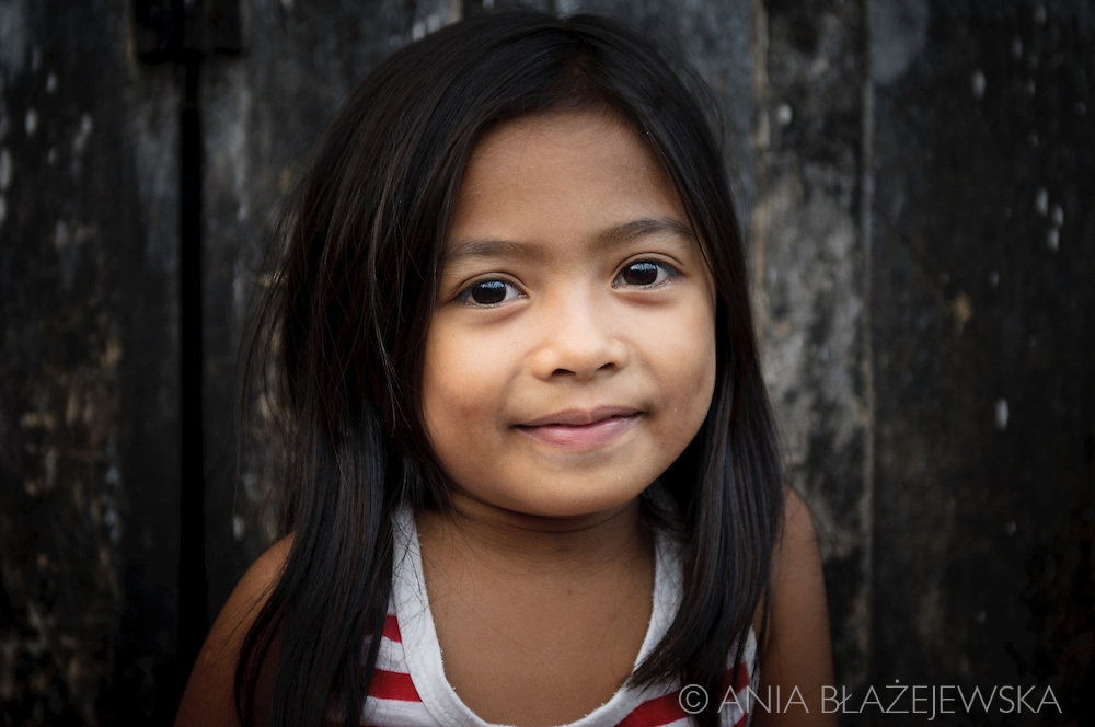 Philippines, Tawi Tawi. Beautiful Filipino girl from Bongao, the capital of Tawi Tawi province.
