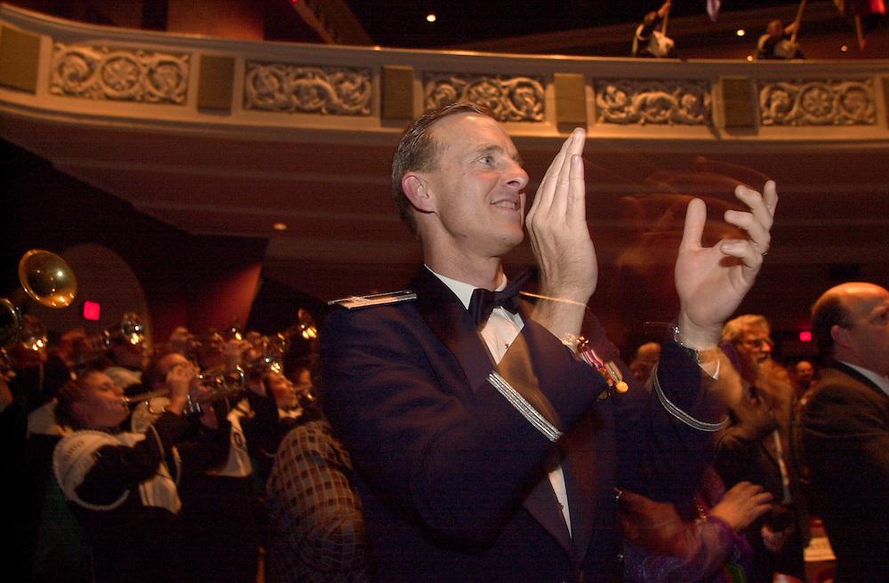 16699Alumni Awards Gala: Homecoming Banquet Fall 2004..Col. John R. Venable,USAF '81