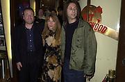 Ray Winstone, Julianne White and  Jonathan Glazer. Sexy Beast charity screening. Planet Hollywood. Leicester Sq. London. 9 January 2001. © Copyright Photograph by Dafydd Jones 66 Stockwell Park Rd. London SW9 0DA Tel 020 7733 0108 www.dafjones.com