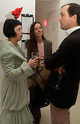 Isabella Blow, Bettina von Hase and Benjamin Clutterbuck. Art Plus dance fundraising party. Whitechapel gallery. 21 March 2005. ONE TIME USE ONLY - DO NOT ARCHIVE  © Copyright Photograph by Dafydd Jones 66 Stockwell Park Rd. London SW9 0DA Tel 020 7733 0108 www.dafjones.com