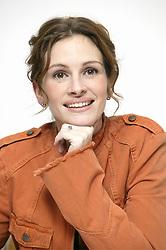 December 6, 2003 - Hollywood, California, U.S. - Julia Roberts at the press junket for her new film.Mona Lisa Smile at the Four Seasons Hotel in Beverly.Hills. December  6, 2003  (Credit Image: © Armando Gallo via ZUMA Studio)