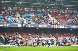LONDON, ENGLAND - Saturday, September 19, 2009: Liverpool's players warming up in front of the Sir Tevor Brooking stand before the Premiership match against West Ham United at Upton Park. (Pic by David Rawcliffe/Propaganda)