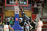 DESCRIZIONE: Varese Lega A 2014-15 <br /> Openjobmetis Varese Upea Capo d'Orlando<br /> GIOCATORE: Dario Hunt<br /> CATEGORIA: controcampo schiacciata<br /> SQUADRA: Upea Capo d'Orlando<br /> EVENTO: Campionato Lega A 2014-2015<br /> GARA: Openjobmetis Upea<br /> DATA: 26/04/2015<br /> SPORT: Pallacanestro<br /> AUTORE: Agenzia Ciamillo-Castoria/E. Scaringi<br /> Galleria: Lega Basket A 2014-2015<br /> Fotonotizia: Varese Lega A 2014-15 <br /> Openjobmetis Upea