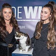NLD/Amsterdam/20180226 - Premiere De wilde stad, Laura Ponticorvo met een vriendin