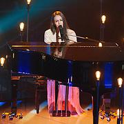 NLD/Hilversum/20151205- Eerste Live uitzending The Voice 2015,