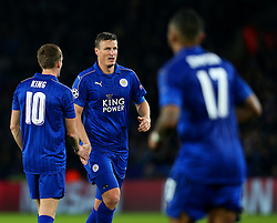 Robert Huth of Leicester City shakes hands with Andy King - Mandatory by-line: Matt McNulty/JMP - 22/11/2016 - FOOTBALL - King Power Stadium - Leicester, England - Leicester City v Club Brugge - UEFA Champions League