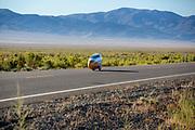 De ochtendruns op de vijfde racedag. In Battle Mountain (Nevada) wordt ieder jaar de World Human Powered Speed Challenge gehouden. Tijdens deze wedstrijd wordt geprobeerd zo hard mogelijk te fietsen op pure menskracht. De deelnemers bestaan zowel uit teams van universiteiten als uit hobbyisten. Met de gestroomlijnde fietsen willen ze laten zien wat mogelijk is met menskracht.<br /> <br /> In Battle Mountain (Nevada) each year the World Human Powered Speed Challenge is held. During this race they try to ride on pure manpower as hard as possible.The participants consist of both teams from universities and from hobbyists. With the sleek bikes they want to show what is possible with human power.