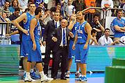 DESCRIZIONE : Tel Aviv Qualificazioni Europei 2011 Israele Italia<br /> GIOCATORE : Luca Dalmonte Marco Belinelli<br /> SQUADRA : Nazionale Italia Uomini <br /> EVENTO : Qualificazioni Europei 2011<br /> GARA : Israele Italia<br /> DATA : 17/08/2010 <br /> CATEGORIA : ritratto<br /> SPORT : Pallacanestro <br /> AUTORE : Agenzia Ciamillo-Castoria/GiulioCiamillo<br /> Galleria : Fip Nazionali 2010 <br /> Fotonotizia : Tel Aviv Qualificazioni Europei 2011 Israele Italia<br /> Predefinita :