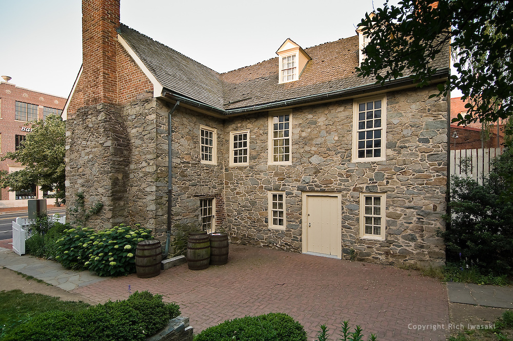 Old Stone House exterior, Washington DC | Rich Iwasaki - Photographer