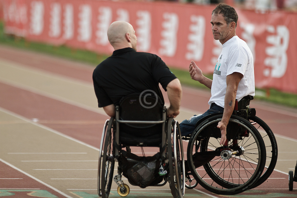 Falmouth Road Race: Falmouth Wheelchair Mile, Craig Blanchette chats with Krige Schabort