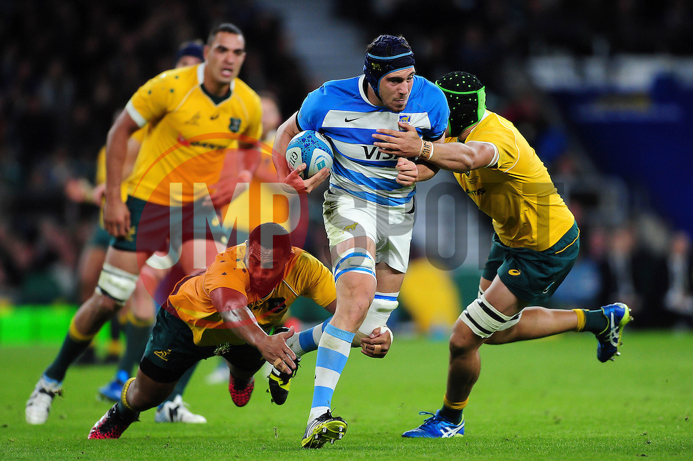 Guido Petti of Argentina takes on the Australia defence - Mandatory byline: Patrick Khachfe/JMP - 07966 386802 - 08/10/2016 - RUGBY UNION - Twickenham Stadium - London, England - Argentina v Australia - The Rugby Championship.