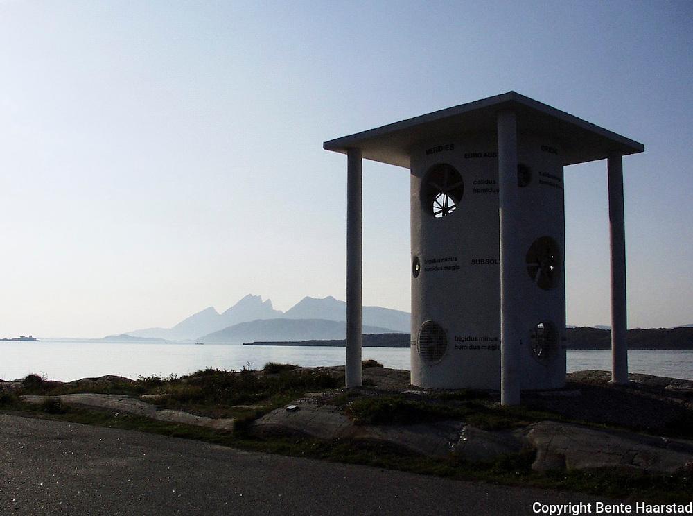 Skulpturpark Nordland, Alstadhaug kommune, House of the Winds, ved Helgelandsbroen utenfor Sandnessj&oslash;en<br /> dig