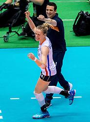 17-05-2016 JAP: OKT Thailand - Nederland, Tokio<br /> Nederland verslaat Thailand met klinkende cijfers 3-0 en is weer op koers voor Rio / Maret Balkestein-Grothues #6, Coach Giovanni Guidetti