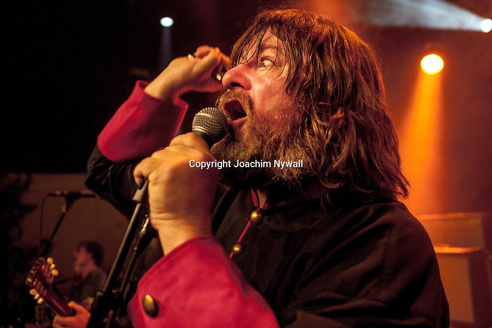 Trollh&auml;ttan 20120825 Studio Fares<br /> The Soundtrack of our lives TSOOL<br /> Ebbot Lundberg Vocals<br /> <br /> <br /> FOTO JOACHIM NYWALL KOD:0708840825<br /> COPYRIGHT JOACHIMNYWALL.SE<br /> <br /> ****BETALBILD****<br />  <br /> Redovisas till: <br /> Joachim Nywall<br /> Strandgatan 30<br /> 461 31 Trollh&auml;ttan<br />  Prislista: BLF, om ej annat avtalats