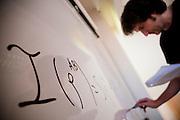 REUNION ACADEMICA EN TORNO A UN GRUPO DE ECUACIONES MATEMATICAS. FACULTAD DE FISICA DE LA UNIVERSIDAD CATOLICA DE CHILE. Santiago de Chile, 13-12-2012 (©Alvaro de la Fuente/Triple.cl)