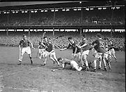 Neg No: .A801/4571-4583...1958AIMHCF.07.09.1958, 09.07.1958, 7th September 1958,.All Ireland Minor Hurling Championship - Final...Limerick.05-08.Galway.03-10..
