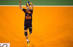 17-04-2016 NED: Play off finale Abiant Lycurgus - Seesing Personeel Orion, Groningen<br /> Abiant Lycurgus is door het oog van de naald gekropen tijdens het eerste finaleduel om het landskampioenschap. De Groningers keken in een volgepakt MartiniPlaza tegen een 0-2 achterstand aan tegen Seesing Personeel Orion, maar mede dankzij invaller Gino Naarden kwam Lycurgus langszij en pakte het de wedstrijd met 3-2 / Tom Buijs #11 of Orion