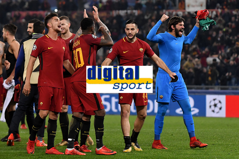 Esultanza Roma a fine partita. Celebration at the end of the match <br /> Pellegrini, Gerson, Manolas, Alisson <br /> Roma 05-12-2017 Stadio Olimpico Uefa Champions League A 2017/2018 Group C AS Roma - Qarabag Foto Andrea Staccioli / Insidefoto