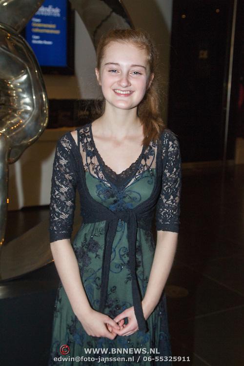 NLD/Amsterdam/20151123 - 5 jaar Delamar theater en 10 Jaar Van den Ende Foundation viering, violiste Noa Wildschut