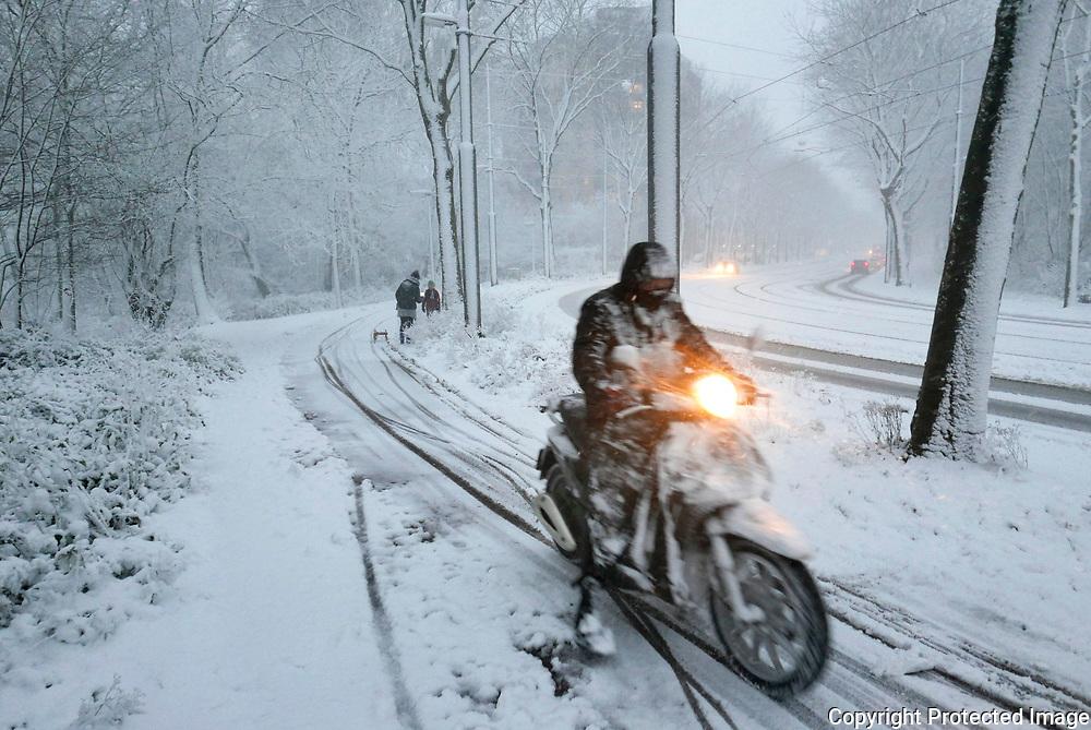 December 11, 2017 - 16:28<br /> The Netherlands, Amsterdam - Flevoweg