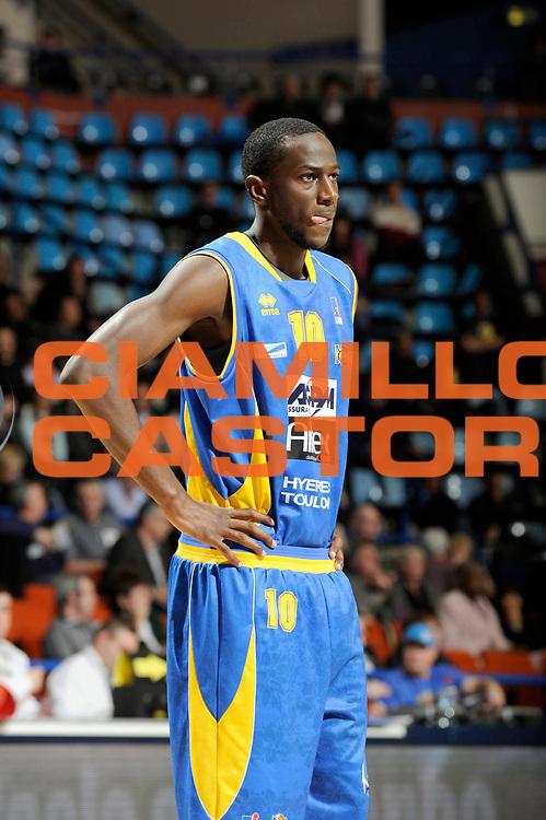 DESCRIZIONE : Championnat de France Basket Ligue Pro A  Semaine des As Quart de Finale<br /> GIOCATORE : BOUNGOU COLO Nobel<br /> SQUADRA : Hyeres Toulon <br /> EVENTO : Ligue Pro A  2010-2011<br /> GARA : Chalon Hyeres Toulon<br /> DATA : 11/02/2011<br /> CATEGORIA : Basketbal France Ligue Pro A<br /> SPORT : Basketball<br /> AUTORE : JF Molliere par Agenzia Ciamillo-Castoria <br /> Galleria : France Basket 2010-2011 Action<br /> Fotonotizia : Championnat de France Basket Ligue Pro A Semaine des As Quart Finale Pau