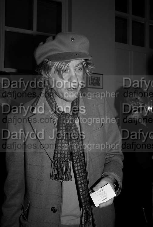 SIR BOB GELDOF, Vanity Fair, Baroness Helena Kennedy QC and Henry Porter launch ' The Convention on Modern Liberty'. The Foreign Press Association. Carlton House Terrace. London. 15 January 2009 *** Local Caption *** -DO NOT ARCHIVE-© Copyright Photograph by Dafydd Jones. 248 Clapham Rd. London SW9 0PZ. Tel 0207 820 0771. www.dafjones.com.<br /> SIR BOB GELDOF, Vanity Fair, Baroness Helena Kennedy QC and Henry Porter launch ' The Convention on Modern Liberty'. The Foreign Press Association. Carlton House Terrace. London. 15 January 2009