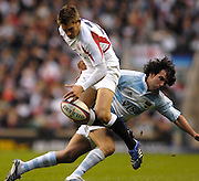 Twickenham. GREAT BRITAIN, Toby FLOOD is spun by Gonzalo TIESI, during the, 2006 Investec Challenge, game between, England  and Argentina, on Sat., 11/11/2006, played at the Twickenham Stadium, England. Photo, Peter Spurrier/Intersport-images].....