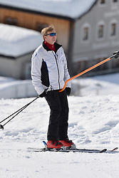 22.02.2016, Lech, AUT, Fototermin mit der Niederländischen Königsfamilie in Lech am Arlberg, im Bild Hollands König Willem-Alexander // Dutch King Willem-Alexander pose for photographers during a photo session in the Austrian skiing resort of in Lech, on Monday, Feb. 22, 2016. The Dutch Royal family is currently spending their winter vacation in the western Austrian province of Vorarlberg. Lech, Austria on 2016/02/22. EXPA Pictures © 2016, PhotoCredit: EXPA/ Stringer