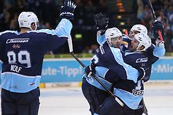 ICE HOCKEY: Germany, 1. DEL , Hamburg, 14.02.2014<br />Thomas Oppenheimer (Hamburg Freezers) goal and  celebration Philippe Dupuis (Hamburg Freezers)<br />© pixathlon