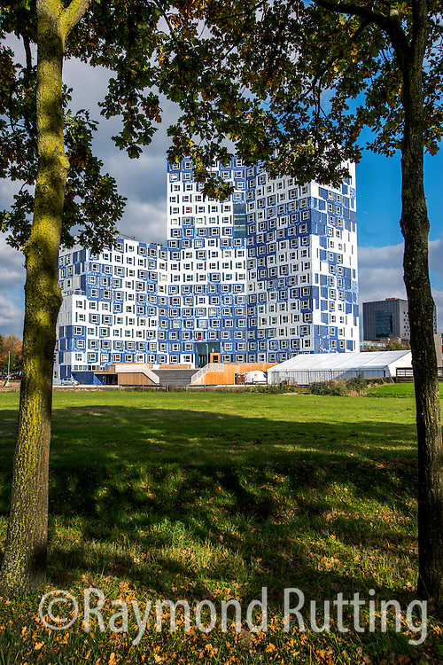 "Netherlands - Utrecht - Student housing- ""Johanna"" is the very newest student complex which the SSH has built on the Bisschopssteeg in Utrecht Science Park (De Uithof). Here 655 students live in the clouds! It is a stunning building, with a facade covered with authentic blue and white tiles from the famous ceramics manufacturer Royal Tichelaar Makkum.Utrecht Science Park provides a vibrant, dynamic and exciting place to work, to study and to live. There are about 60.000 visitors everyday. photo raymond rutting"