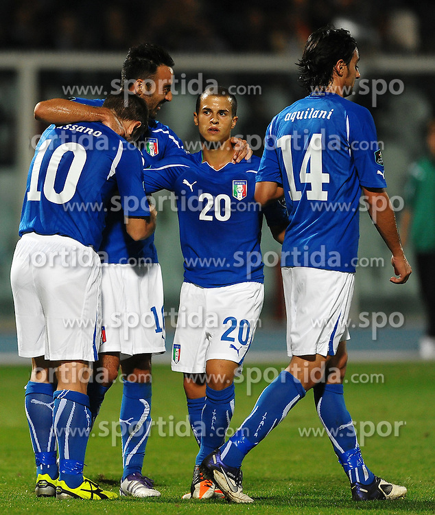 11.10.2011, Stadio Adriatico, Pescara, ITA, UEFA EURO 2012, EMQ, Italien vs Nordirland, im Bild Esultanza di Antonio CASSANO dopo il gol con Mattia CASSANI, Sebastian GIOVINCO, Alberto AQUILANI.Goal Celebration // during UEFA EM Qualifier, football game between Italy and Northern Ireland at Stadium Adriatico in Pescara, Italy on 11/10/2011. EXPA Pictures © 2011, PhotoCredit: EXPA/ InsideFoto/ Andrea Staccioli +++++ ATTENTION - FOR AUSTRIA/(AUT), SLOVENIA/(SLO), SERBIA/(SRB), CROATIA/(CRO), SWISS/(SUI) and SWEDEN/(SWE) CLIENT ONLY +++++