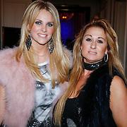 NLD/Amsterdam/20121112 - Beau Monde Awards 2012, Laura Vlasblom en Charlotte Labee